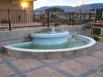 Coating fountains with polyurethane