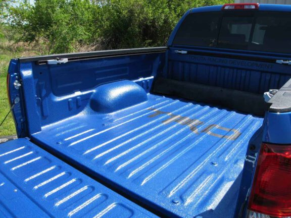 blue-colored-spray-on-truck-bedliner-texturized