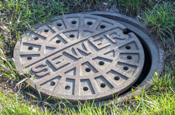 manhole-cover-sewer-protective-coatings