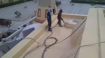 Flat roof coating for waterproofing