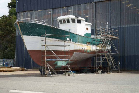 sts-200-armorthane-protective-coating-good-for-marine-projects