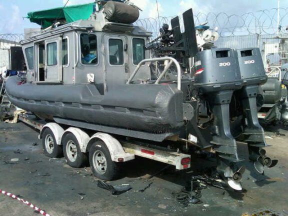 Coated Gun boat floater