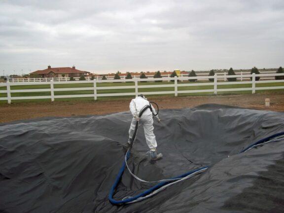Building waterproof pond