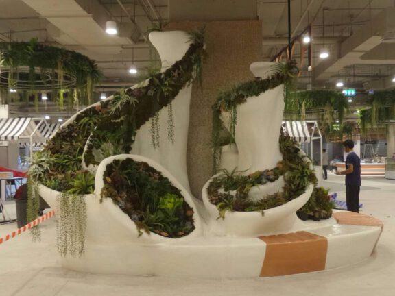 Mall flower planter coated